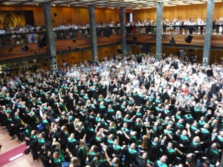 ペーチ大学卒業式の模様